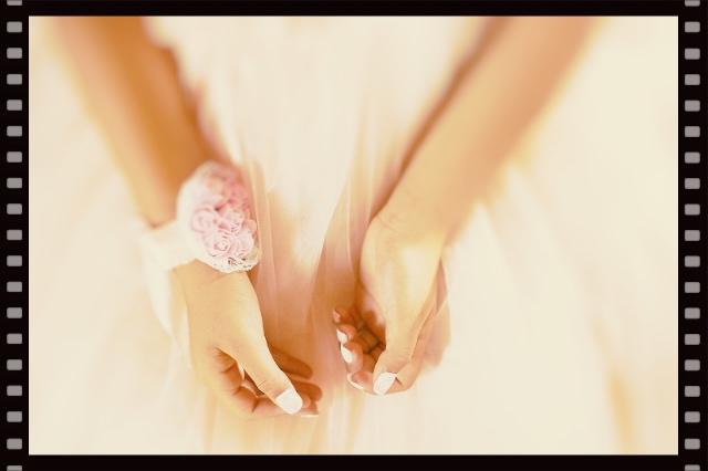 ウェディングドレスに合うネイルデザイン
